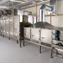 Dryer with belt conveyor / air blast / continuous / for the food industry