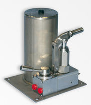 Hydraulic pump / positive-displacement / manual / for hydrocarbons
