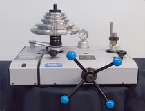 Pneumatic deadweight tester / precision 10-5