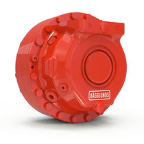 Radial piston hydraulic motor / with groove