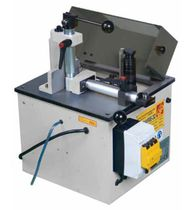 End-milling machine / fixed-angle