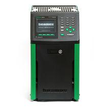 Temperature calibrator / portable / dry-block / laboratory
