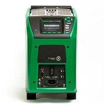Temperature calibrator / portable / dry-block