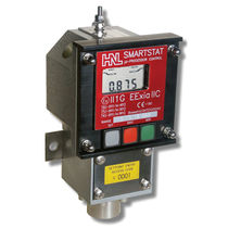 Differential pressure switch / for oil / digital