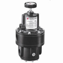 High flow rate vacuum regulator