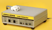 Liquid leak detector / electronic / with visual alarm