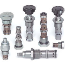 Needle valve / manual / hydraulic / flow control