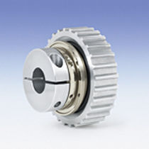 Torque limiter with sprocket wheel