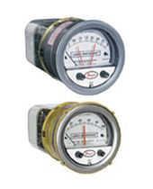 Capsule pressure gauge / differential / dial / with pressure switch