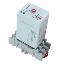 DIN rail mounted time relay / DPDT