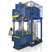Hydraulic press / compression / forming / for abrasive materials