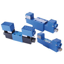 Spool hydraulic directional control valve / pneumatically-operated / 4-way