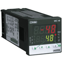 Digital temperature regulator / with remote control / cooling / heating