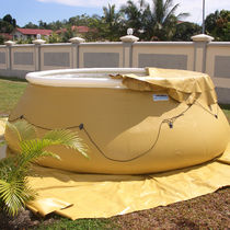 Fabric tank / storage / horizontal / flexible