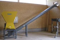 Four-shaft shredder / for wood waste / rugged