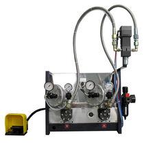 Two-component dosing dispenser / for low-viscosity liquids / for medium-viscosity media / resin