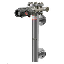 Displacer level transmitter / for liquids / for storage tanks / smart