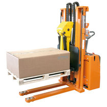 Electric stacker truck / walk-behind / for pallets / loading