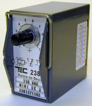 Voltage monitoring relay / 2 NO/NC / DC / plug-in