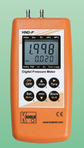 Digital pressure gauge / differential / portable
