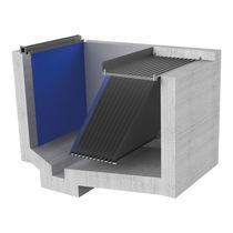 Slatted separator / sludge / wastewater