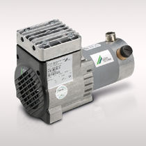 Piston vacuum pump / single-stage / oil-free / industrial