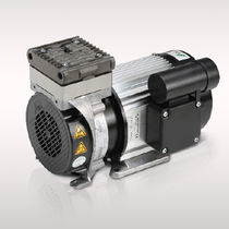 Piston vacuum pump / single-stage / oil-free / industrial