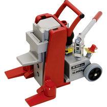 Hydraulic jack / for heavy-duty applications