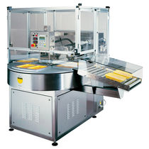 Rotary tray sealer / automatic