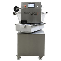 Rotary tray sealer / semi-automatic