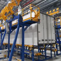 Refrigerated truck assembly workstation