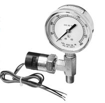 "Bourdon tube pressure gauge with alarm contact 1/4"", 4 000 psig 