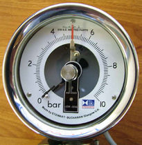 Bourdon tube pressure gauge with alarm contact  Stewart-Buchanan Gauges