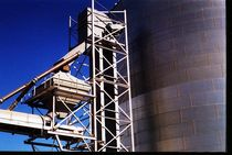 bucket elevator  Intersystems