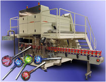 counting machine and cartoner for confectionery products max. 30 p/min Cremer speciaalmachines BV
