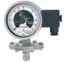diaphragm operated differential pressure gauge with switch 0 - 25 mbar | PGS43.1x0 WIKA Alexander Wiegand