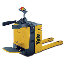 electric pallet truck with rider platform max. 2.0 t | MP20X Yale