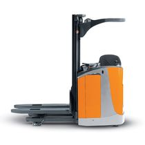 electric sit-on stacker 1.2 -1.6 t, max. 5 466 mm | FV-X/FV-Xi series STILL