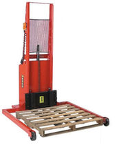 electric straddle stacker max. 1 000 lbs Wesco
