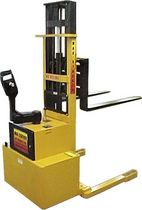 electric straddle stacker 2 500 - 3 000 lb | MXPDM series Lift Products .