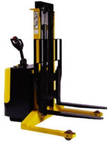 electric straddle stacker 1 200 - 1 500 kg, max. 2 500 mm | STR 12/15 VAMIC