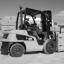 engine powered pneumatic tire forklift truck 1.5 - 3.5 t | DP15-35N, GP15-35N Cat Lift Trucks