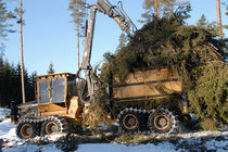 forestry forwarder 17 700 kg (39 020 lb), 170 kW (228 hp) | 1055B Tigercat
