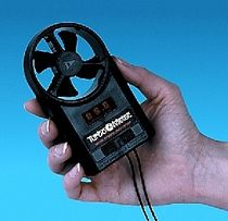 hand-held anemometer 0 - 99.9 mph  Davis Instruments