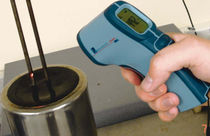 hand-held infrared thermometer  Roxspur Measurement &amp; Control