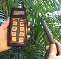 hand-held thermometer, hygrometer and dew-point meter  Hanna Instruments