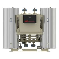 heated desiccant compressed air dryer (heat of compression) 420 - 3680 m³/hr (250 - 2165 scfm) INGERSOLL RAND
