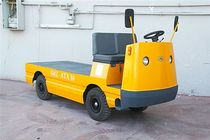 heavy duty electric towing tractor  Ozismak Istif Makinalari San. ve Tic. Ltd.,Sti.