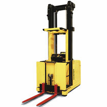 high lift vertical order picker max. 1.0 t | K1.0L / M / H  HYSTER