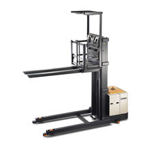high lift vertical order picker with fixed forks max. 625 kg, max. 11 300 mm | SP 3581 CROWN